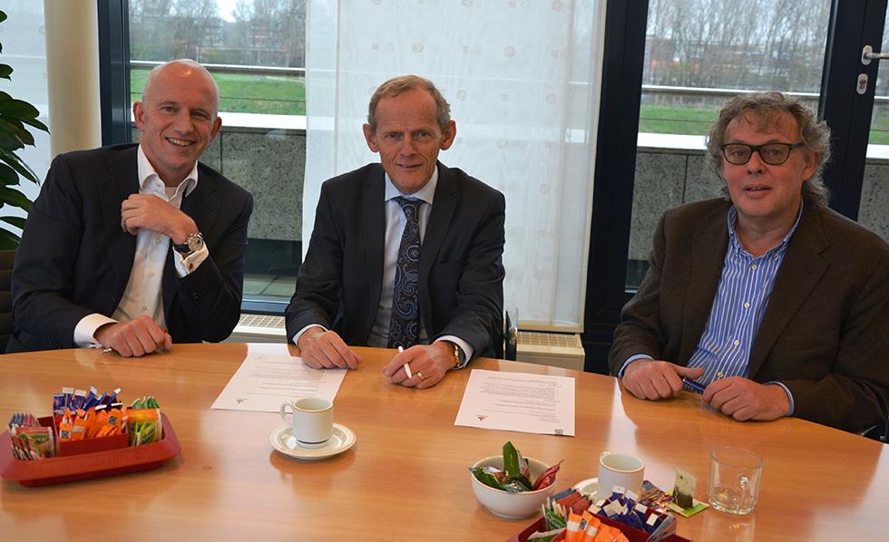 Ondertekenen sponsorcontract RBB_1 web